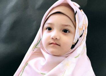 Parenting Islami : Umur Berapa Seharusnya Anak Mengenakan Hijab?